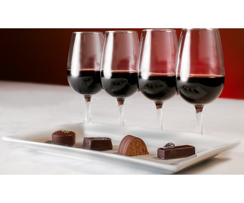 7 Chocolate and Wine Pairings to Make Your Date Night Extra Boozy and Sweet